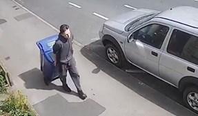Adolescente de 17 anos matou professora e escondeu corpo em caixote do lixo