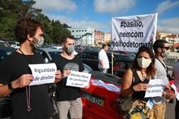 """Condutores dos """"tuk tuk"""" manifestam-se contra restrições no acesso à Serra de Sintra"""