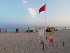 Bandeira vermelha em praias de Monte Gordo