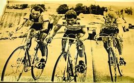 Paulo Ferreira (ao centro) numa fuga vitoriosa na 5ª etapa, em 1984