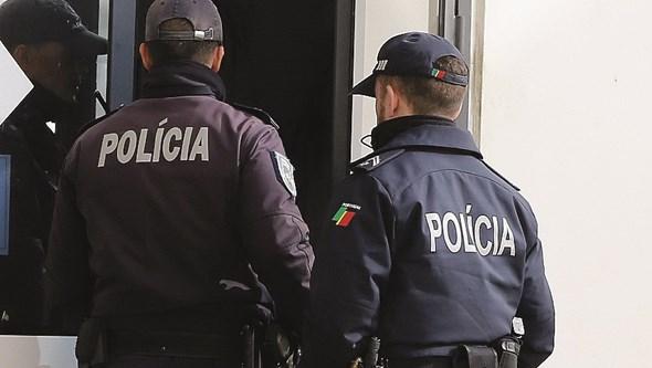 Toxicodependente foge à PSP com filho no carro em Almada