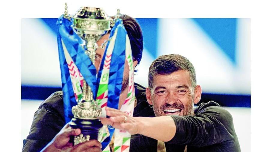 Sérgio Conceição fez a 'dobradinha', juntando a Taça de Portugal à Liga