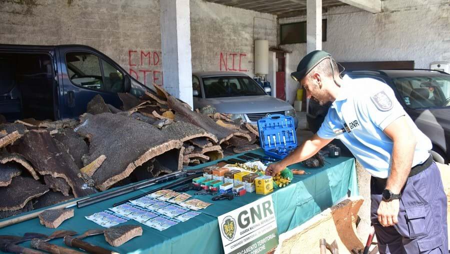 GNR trava 'gang da cortiça' em Coruche