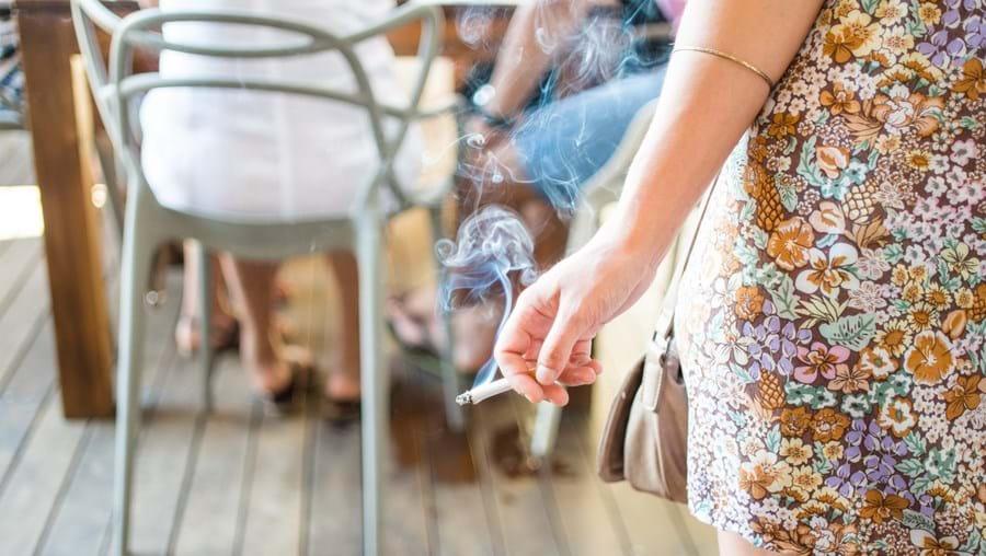 Desde setembro de 2019 que, por proposta do PAN, é proibido deitar pontas de cigarro para o chão