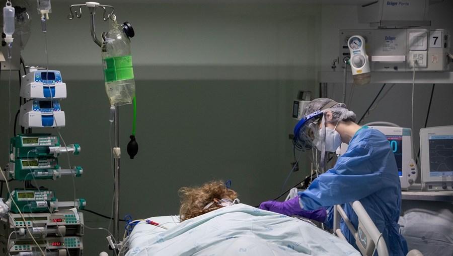 Médicos devem atuar mais rápido no combate à pandemia