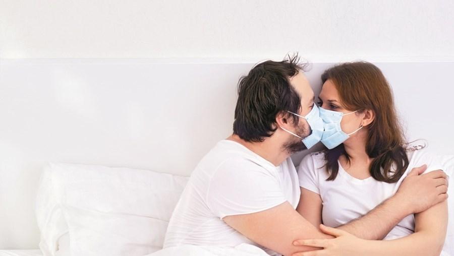 Sexo com máscara