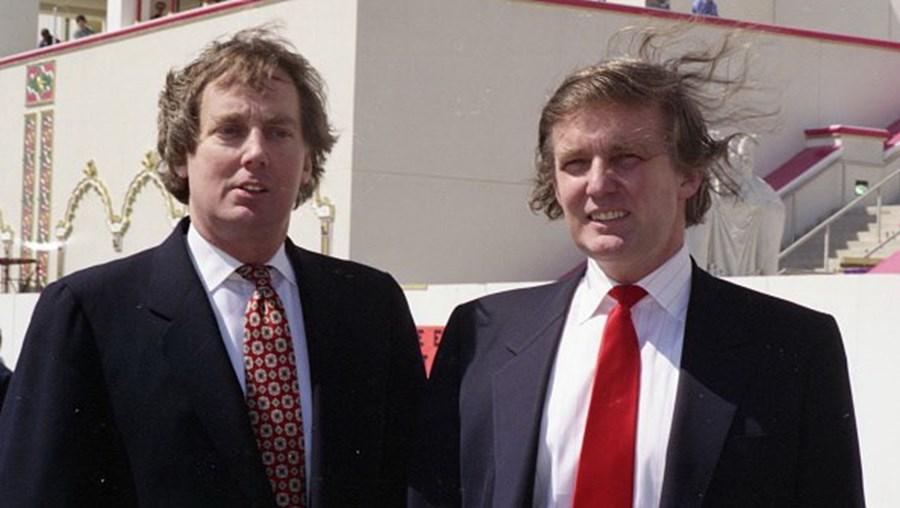 Robert Trump e Donald Trump em 1990