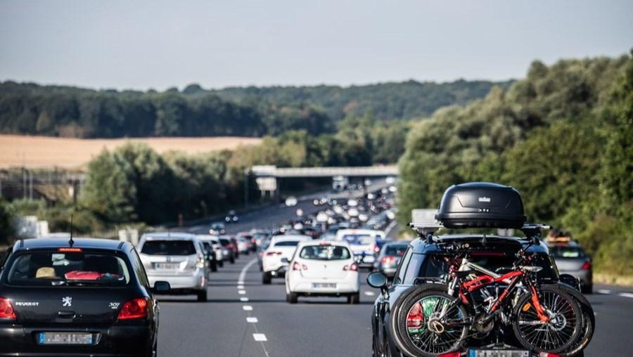 Trânsito em tempo de férias, França, 8 de agosto de 2020