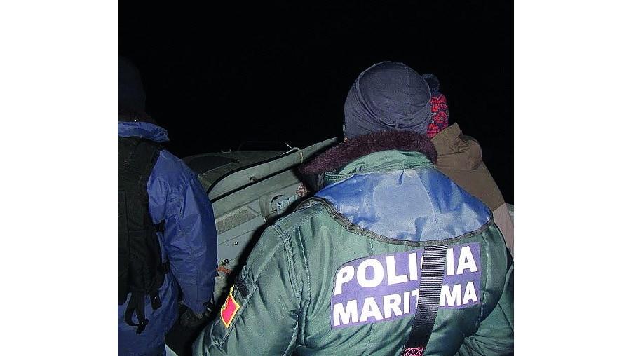 Três pescadores salvos no mar em Espinho