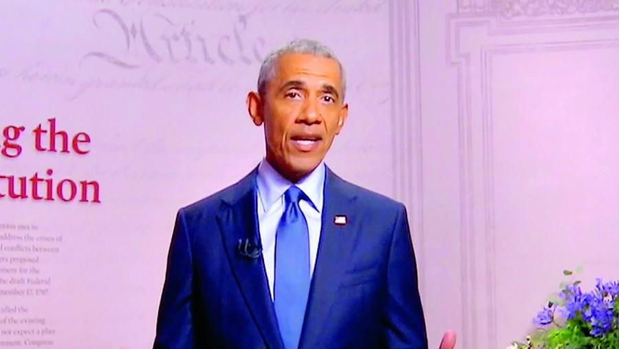 Barack Obama quebrou tradição e lançou um forte ataque contra o seu sucessor no cargo de presidente dos EUA