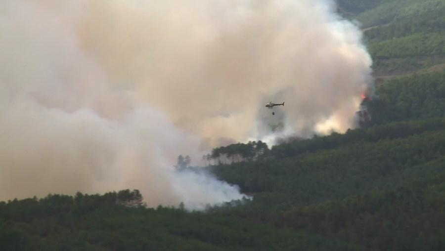 Incêndio na Covilhã teve início na terça-feira, com seis frentes detetadas
