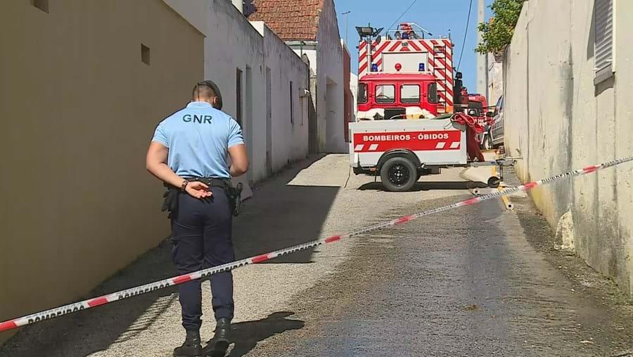 bombeiros, resgate, autoridades