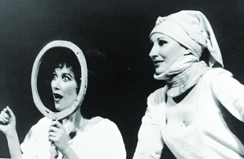 No palco da Casa da Comédia, em 1974