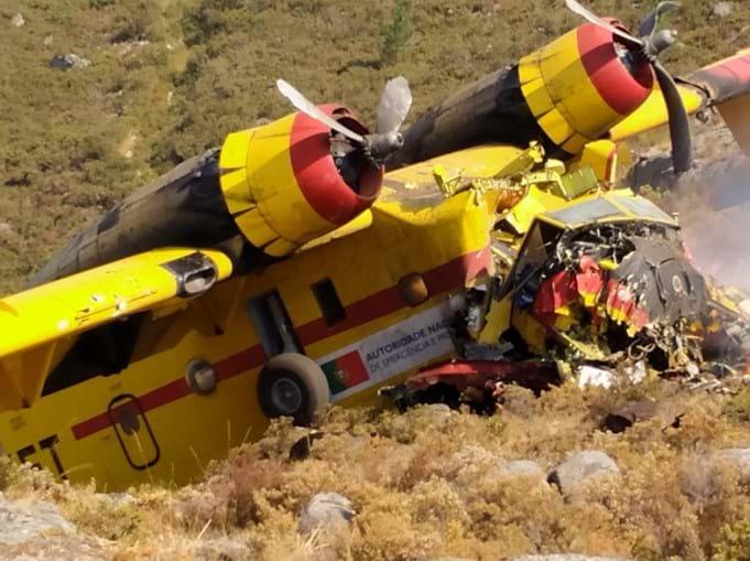 Avião de combate a incêndios despenha-se no Gerês. Há dois feridos graves