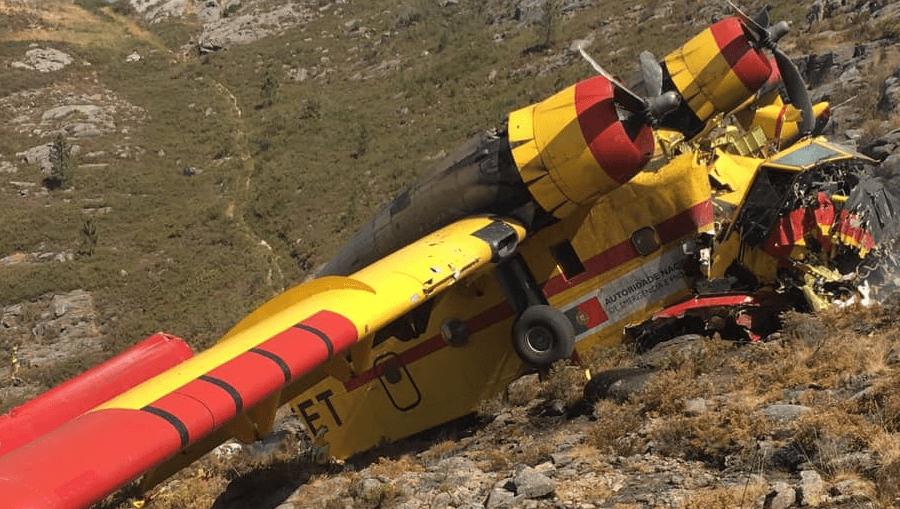 Avião de combate a incêndios despenha-se no Gerês