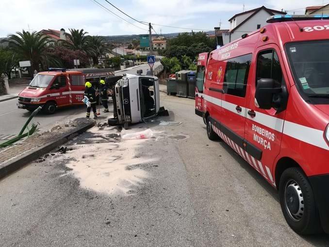 Idoso fica ferido em despiste de carro em Murça