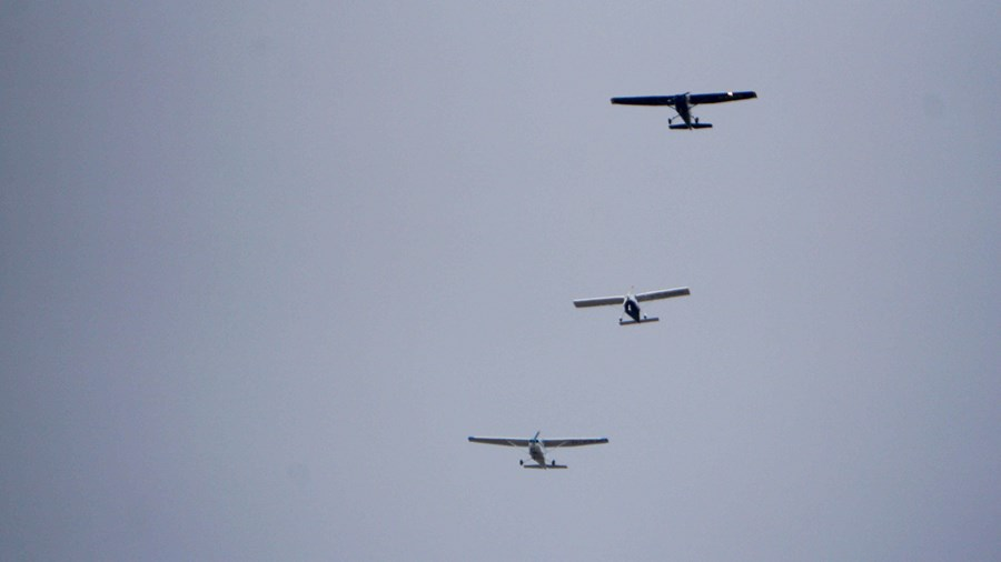 Clube de Leiria prestou homenagem com três aeronaves