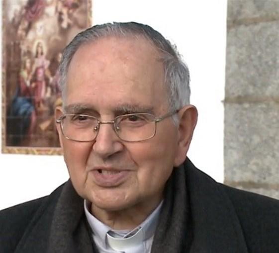 Padre Celestino Ferreira , de 81 anos, apresenta apenas falta de apetite