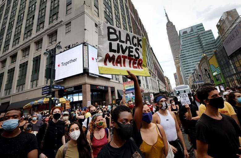 Protestos após novo caso de violência policial nos EUA