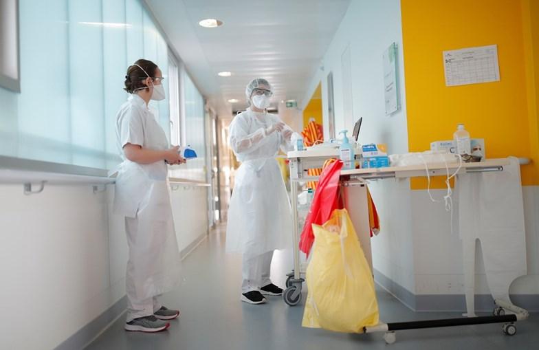 """Médicos, enfermeiros e pessoal auxiliar podem ter """"prémios"""" pagos com dinheiro de Bruxelas"""