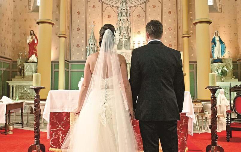 Milhares de noivos adiaram o seu casamento para o próximo ano