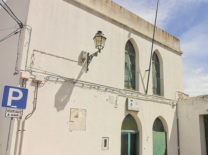 Atuais instalações são antigas e estão muito degradadas