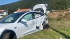 Mãe e bebé entre feridos de colisão entre Tesla e ambulância em Viana do Castelo