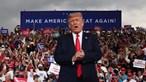Trump desafia regras para combater a pandemia em campanha no Nevada
