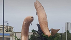 Estátuas de peixes em forma de pénis provocam revolta junto de moradores