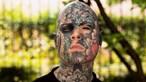 Professor impedido de lecionar em jardim de infância por ter várias tatuagens