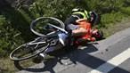Ciclista e bandeira amarela em estado grave após queda na Volta a Portugal