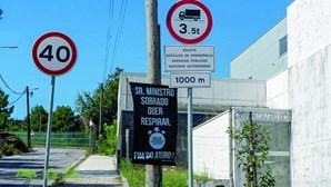 Sinais impedem camiões de seguir para o aterro em Valongo