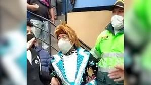 """""""Queria despedir-me de um amigo"""": Palhaços detidos em velório de colega morto por coronavírus"""