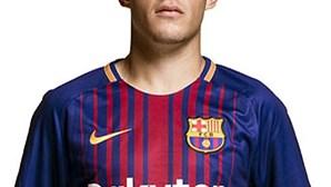 Famalicão contrata jogador ao Barcelona