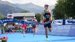 Vasco Vilaça sagra-se vice-campeão do mundo de triatlo