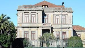 Atrasos na Justiça degradam palacete centenário em Braga
