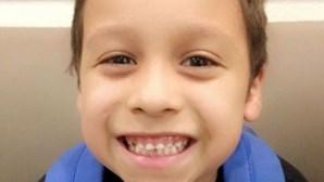 """Menino de nove anos trancado em armário e """"torturado de forma horrível"""" pela mãe"""