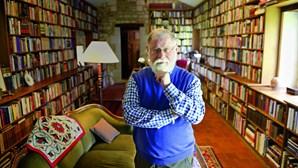 Alberto Manguel doa 40 mil livros a Lisboa