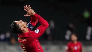 Bis de Ronaldo 'salva' Juventus de derrota com Roma de Paulo Fonseca