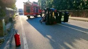 Mulher ferida após carro capotar na EN 206 em Famalicão