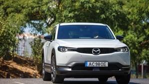 MX-30: guiámos o primeiro eléctrico da Mazda que tem cortiça portuguesa