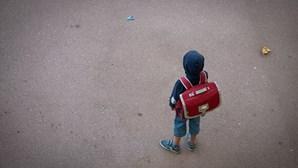 Escola manda menino para casa depois de criança insistir em utilizar máscara nas aulas