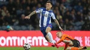 Otávio recupera e está na comitiva dos 22 jogadores do FC Porto que viajam para o Algarve