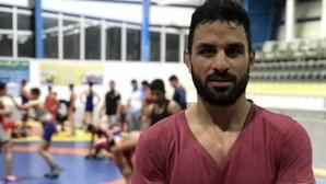 Irão anuncia execução de lutador apesar de apelos internacionais