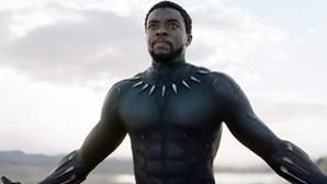 Ator Chadwick Boseman recebe Globo de Ouro a título póstumo. Netflix é a grande vencedora