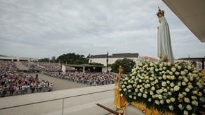 Cem mil fiéis esgotam lotação do Santuário de Fátima