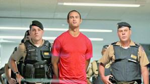 """""""Durmo com a consciência tranquila"""", diz futebolista que mandou matar e esquartejar namorada"""