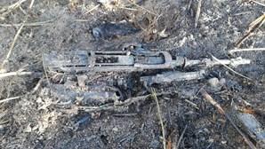 Incêndio em zona de mato revela armas enterradas em Loures