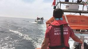 Embarcação rebocada após avaria no mar ao largo de Viana do Castelo
