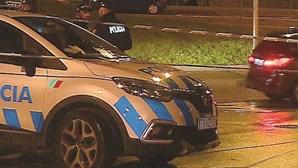 Jovem sem carta preso após destruir carro roubado na fuga em Loures
